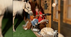 Shania Twain Did A Personal Concert For Her Dog And Horse