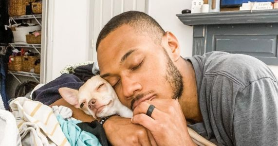 "Man Who ""Doesn't Like Small Dogs"" Falls In Love With Chihuahua Puppy"