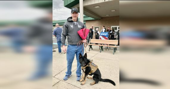 Non-Profit Honors Army Veteran With Service Dog